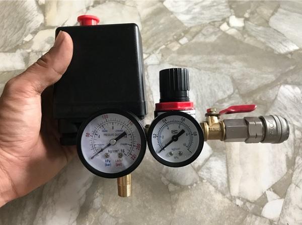 Rơ le áp suất điều chỉnh máy nén khí đảm bảo mức độ ổn định của máy